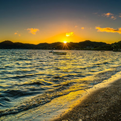 Coast_Sunrises_and_sunsets_Waves_USA_Ocean_Kaneohe_521540_600x363
